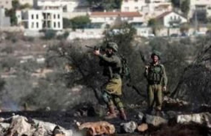 فلسطين | 5 إصابات بالرصاص المعدني وعشرات حالات الاختناق خلال قمع الاحتلال مسيرة كفر قدوم