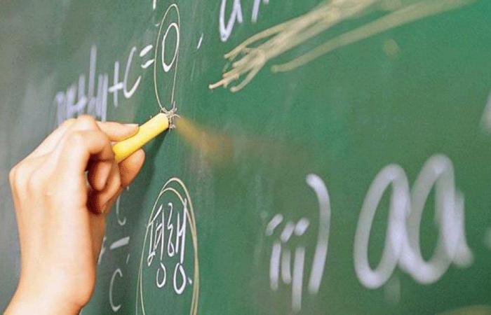 قانون تعليق المهل يشمل مهلة صرف المعلّمين