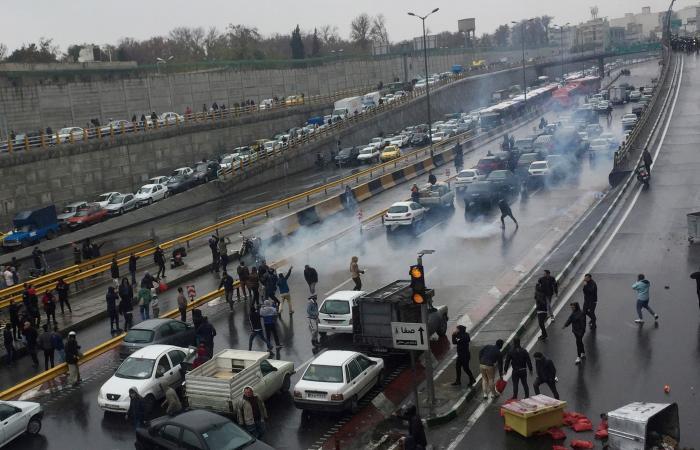 إيران | فائزة رفسنجاني: من يدينون مقتل فلويد قتلوا المئات بإيران