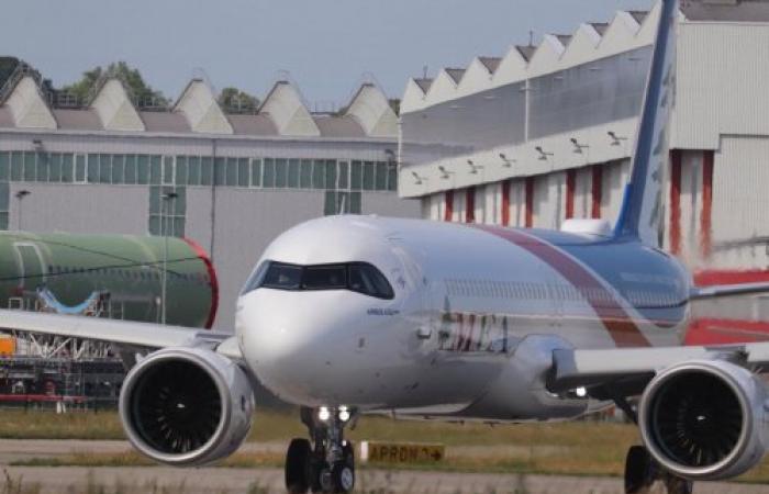 أول إقلاع تجريبي لطائرة الميدل إيست A321 NEO (صور)