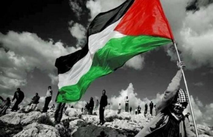 أزمة سياسيّة وأخرى اقتصاديّة في فلسطين، ما هي المقاربة الأنجع للخروج بأخفّ الأضرار؟