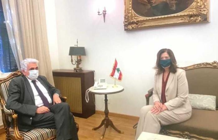 """شيا في """"الخارجية"""".. واحتجاج على التدخل الاميركي بالشؤون اللبنانية"""