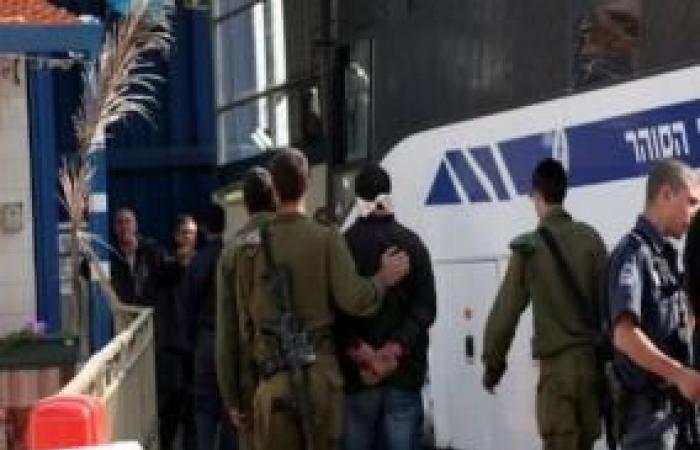 فلسطين   الحكم على الأسير الجريح أحمد البدوي بالسجن لـ ١٦ شهرًا