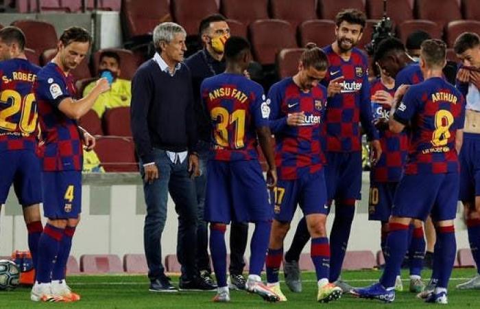 سيتيين يدافع عن نفسه.. ويكشف قصة اجتماعه مع لاعبي برشلونة