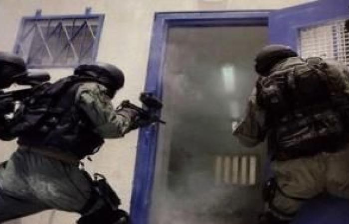 فلسطين   إصابة ضابط من وحدات قمع السجون الإسرائيلية بفيروس كورونا