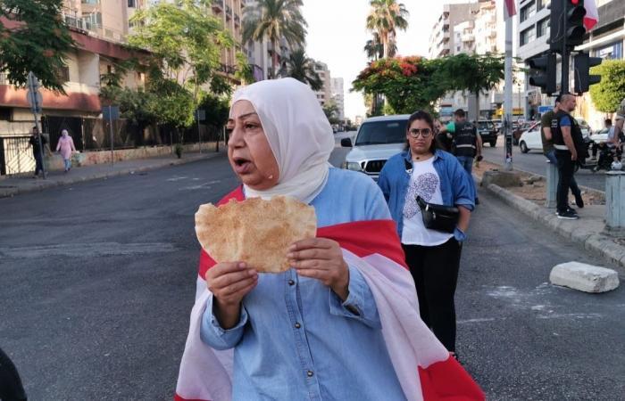 اللبنانيون يقايضون مقتنياتهم مقابل عبوة حليب أو زيت