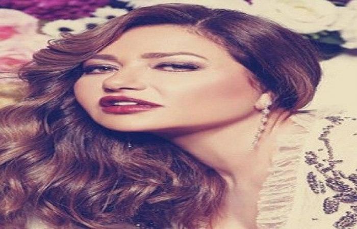 ليلى علوي تحتفل بـ عيد ميلاد وحيد حامد