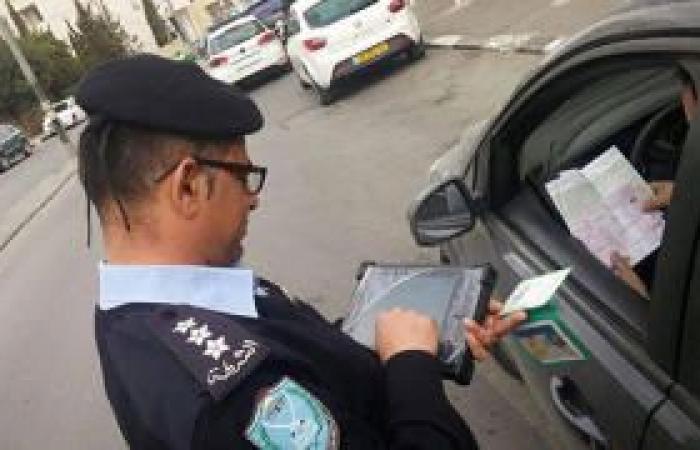 فلسطين   الشرطة تسحب 30 رخصة قيادة وتغلق مصانع ومسابح في الخليل وسلفيت