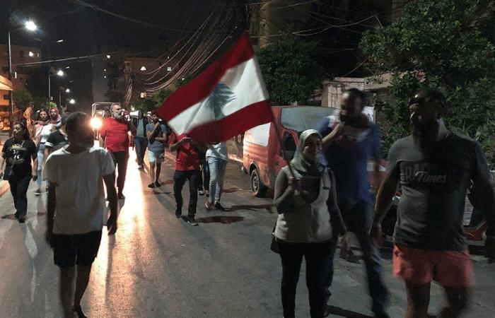 في صور.. مسيرة احتجاجًا على تردي الأوضاع الاقتصادية والمعيشية