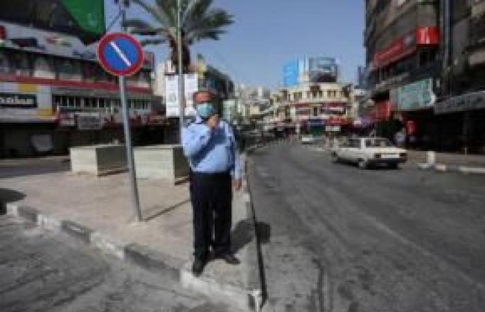 فلسطين   إغلاق محلات واحتجاز مركبات وضبط اشخاص خالفوا حالة الطوارئ بنابلس