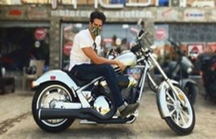 """أحدث إطلالة لأحمد مجدي على دراجة بخارية عبر """"انستجرام"""""""
