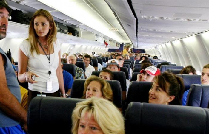 تحذير… المقاعد الوسطى في الطائرات 'تهدد' حياتكم؟!