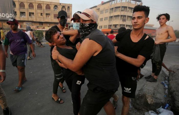 العراق | بعد مواجهات بغداد.. الكاظمي يتمسك بحماية المتظاهرين