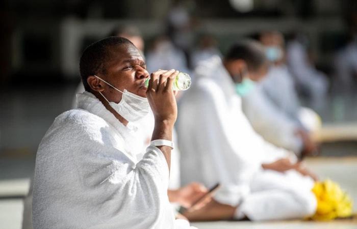 السعودية | شاهد.. الحجاج يؤدون طواف القدوم وسط تباعد المسافات