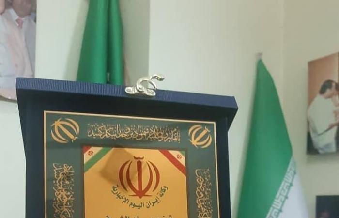 "سوريا | إيران تكرم ""جزّار بانياس"" بوسام شرف في سوريا"