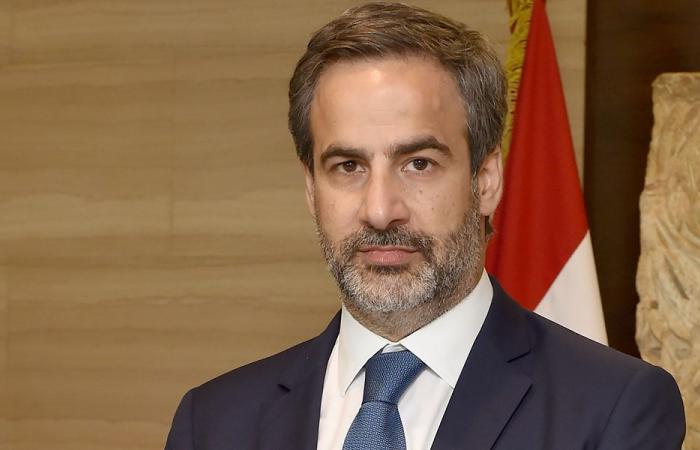 معوض: اللبنانيون متمسكون بأفضل العلاقات مع فرنسا.. وعلى دياب الاعتذار