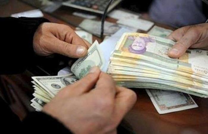 إيران | رغم ضخ مليار دولار.. عملة إيران تهبط مجدداً