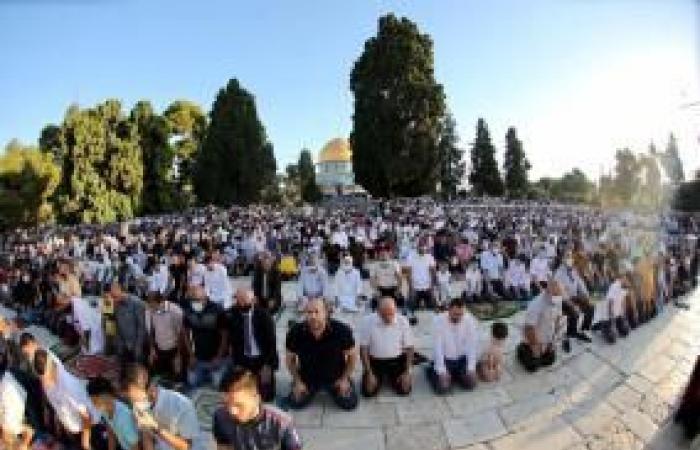 فلسطين | أكثر من 27 ألف مصلٍ أدوا صلاة عيد الأضحى في الأقصى