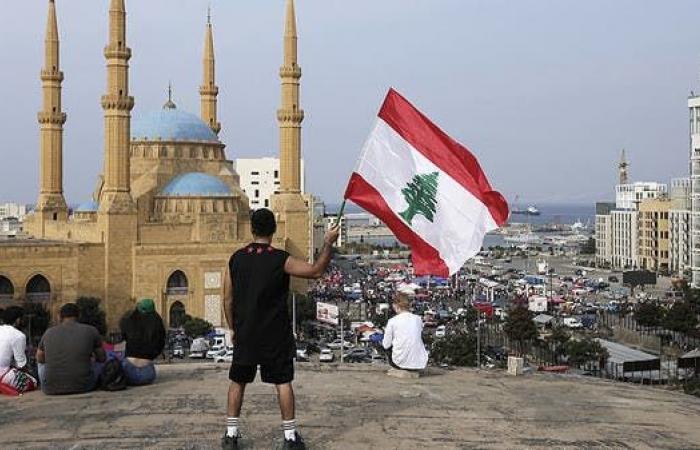 تسلسل تاريخي لانهيار اقتصاد لبنان.. شبح الفقر يطارد النصف