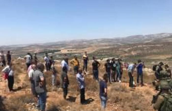 فلسطين | أهالي دير شرف يتقتلعون بؤرة استيطانية جديدة غرب نابلس