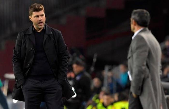 عدو برشلونة اللدود يقترب من تدريبه