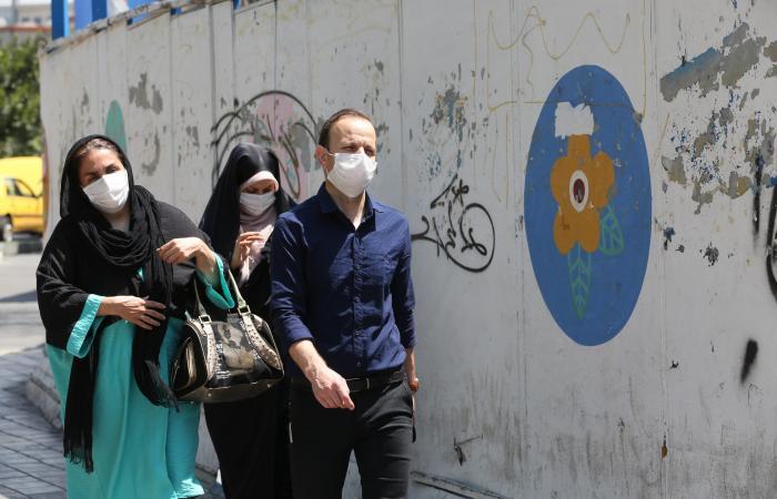 إيران | إيران تسجل 2245 إصابة جديدة بكورونا