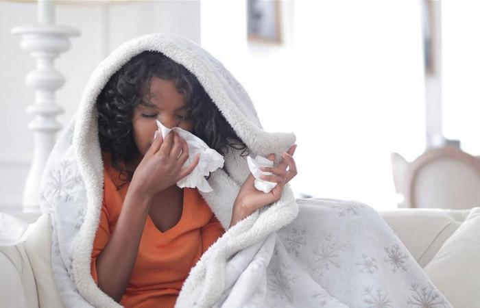 إنفلونزا وكورونا.. تحذير من 'برميل مزدوج' في الشتاء!
