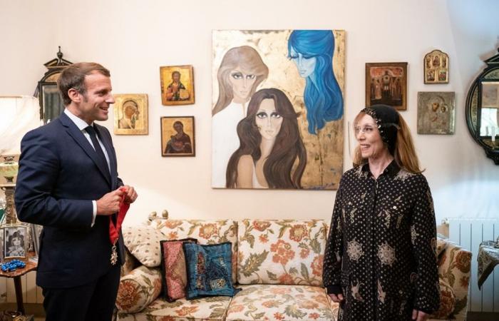 عاشت في قصر الجزيرة قبل تأميمه من عبدالناصر.. من هي رسامة لوحة فيروز؟