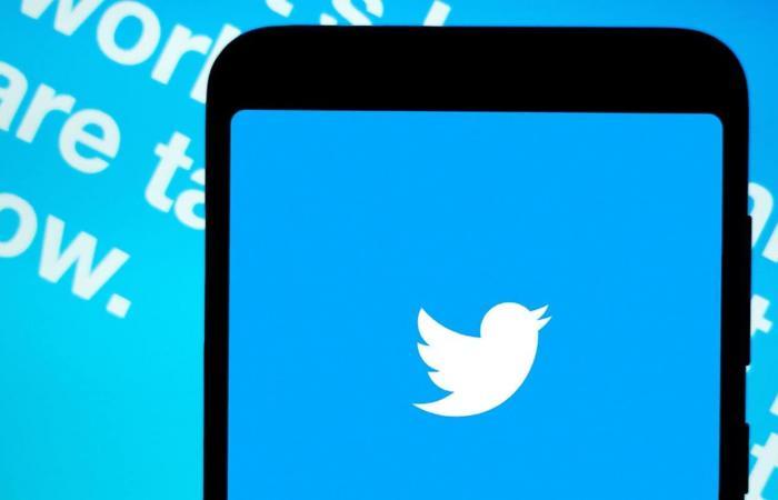 تويتر تحاول شرح الموضوعات الشائعة