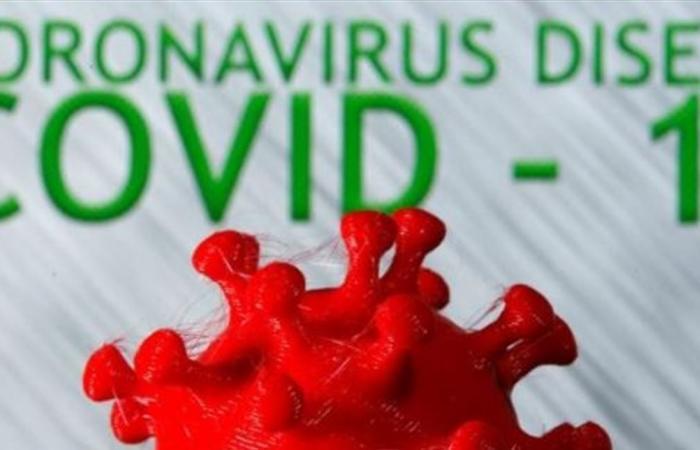 خوذة تتيح للعاملين في مواجهة الفيروس ملامسة الفم والأنف من دون خوف
