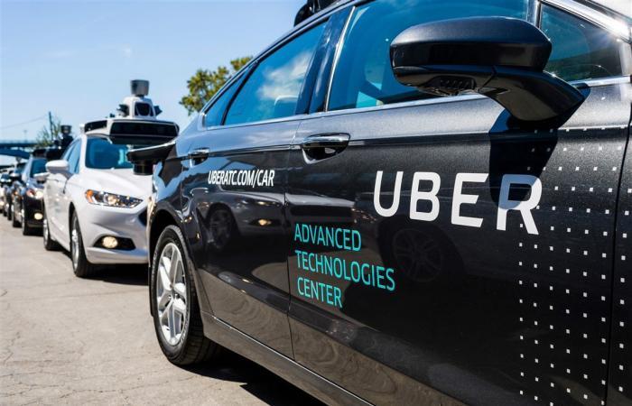 أوبر تحدد موعدًا لجعل كل سياراتها كهربائية مع وعد بمساعدة السائقين