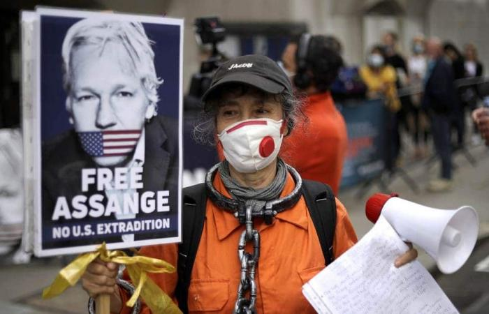 مؤسس ويكيليكس يكافح تسليمه للولايات المتحدة