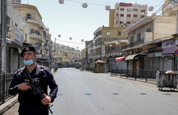 كورونا يعمّق فجوات العمل اللائق في الأردن