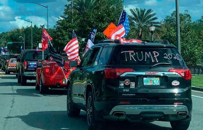 بالفيديو والصور: مسيرات داعمة لترمب في شوارع فلوريدا