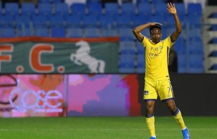 النصر يعلن نهاية مشوار النيجيري أحمد موسى مع الفريق