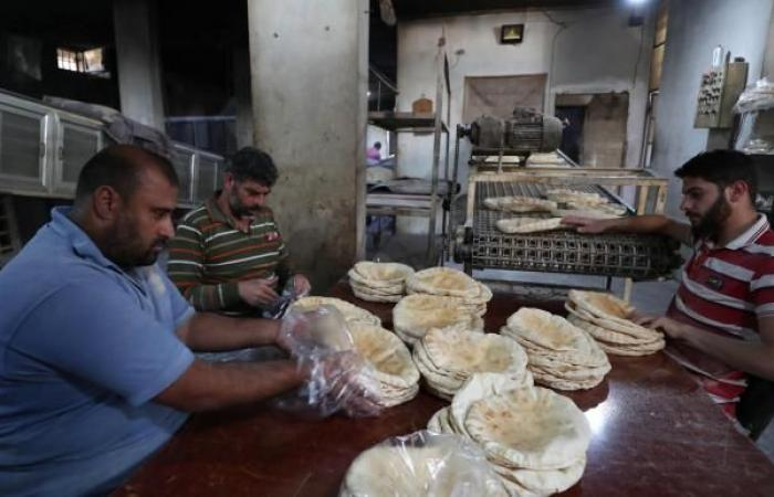 حكومة الأسد ترفع سعر الخبز 100%