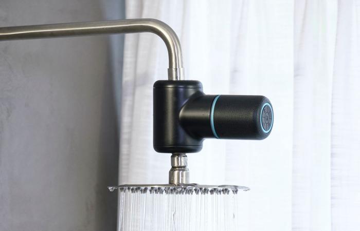 Shower Power .. مكبر صوت يعمل بالطاقة الكهرومائية