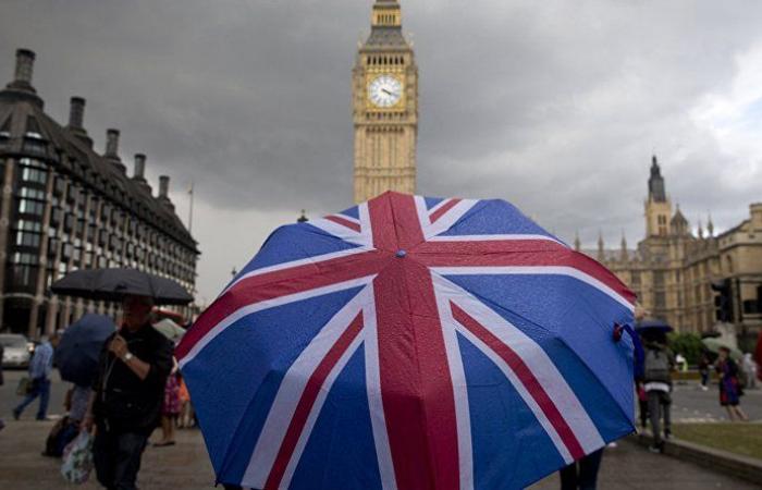 """زيادة حادة في حالات """"كورونا"""" تثير المخاوف في بريطانيا"""