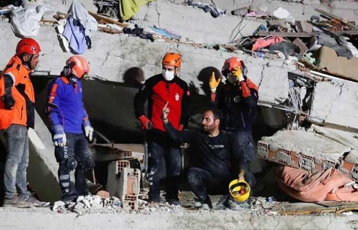 مساعدات فرنسية لتركيا واليونان بعد زلزال إيجه