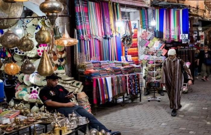 المغرب: إغلاق معبري سبتة ومليلية لا يعالج التهريب المعيشي