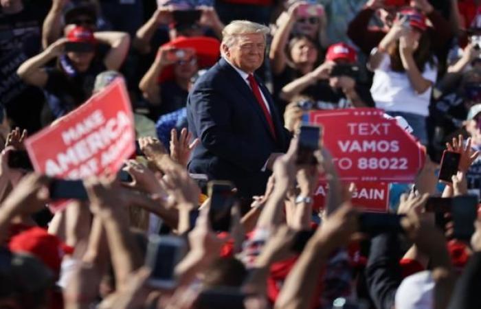 """""""بلومبيرغ"""": حروب ترامب التجارية تحولت إلى نقطة ضعفه"""
