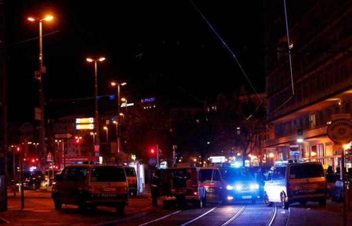 بالفيديو: مقتل 7 أشخاص في فيينا