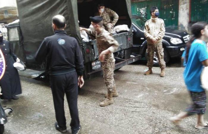 الجيش وزع خبزًا وأكياس علف على مربي المواشي شمالًا