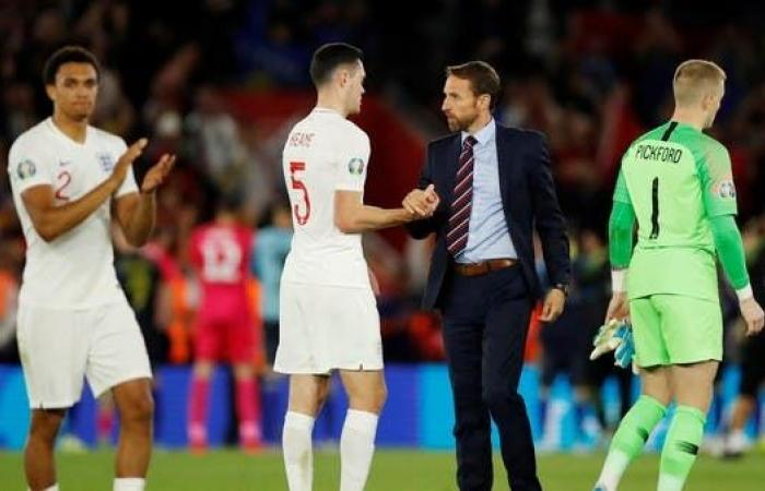 """ساوثغيت يتوقع نجاح """"الثلاثي الإيرلندي"""" مع منتخب إنجلترا"""