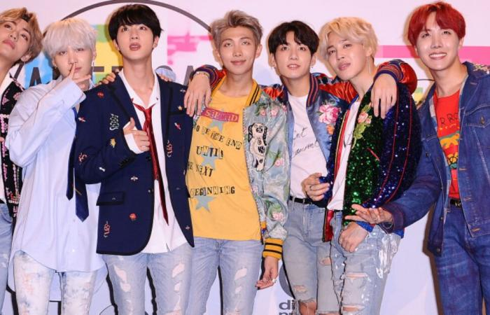 """في أول أغنية لها باللغة الإنجليزية.. فرقة BTS الكورية تحصد 4 جوائز بحفل """"إم.تي.في"""" للموسيقى"""