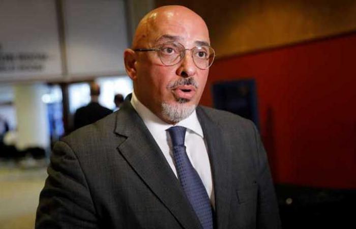 تكليف وزير عراقي الأصل بتوزيع لقاحات كورونا في بريطانيا