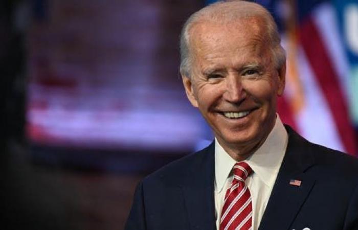 الرئيس الأميركي المنتخب جو بايدن يقدم فريقه الاقتصادي