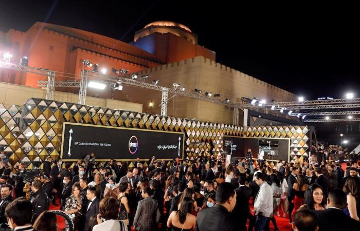 في ظروف استثنائية فرضتها كورونا.. مهرجان القاهرة السينمائي يطلق دورته الـ42