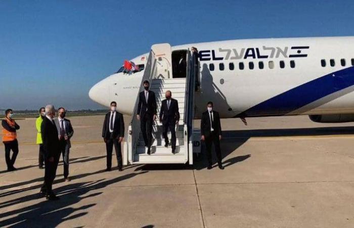 بالفيديو: وصول أول طائرة إسرائيلية إلى المغرب