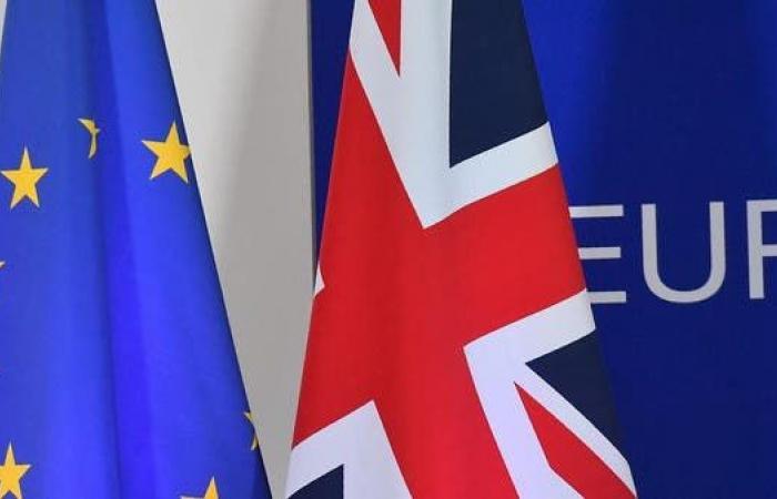 """مصدر فرنسي: لندن قدمت """"تنازلات كبيرة"""" في مفاوضاتها لما بعد بريكست"""